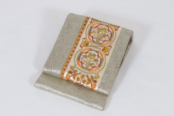 リヨン刺繍3