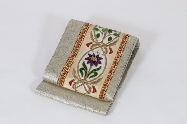 リヨン刺繍1